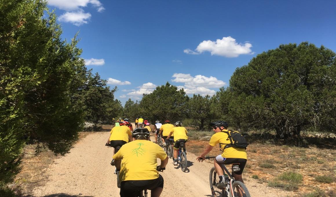 Ciclistas contra el fuego