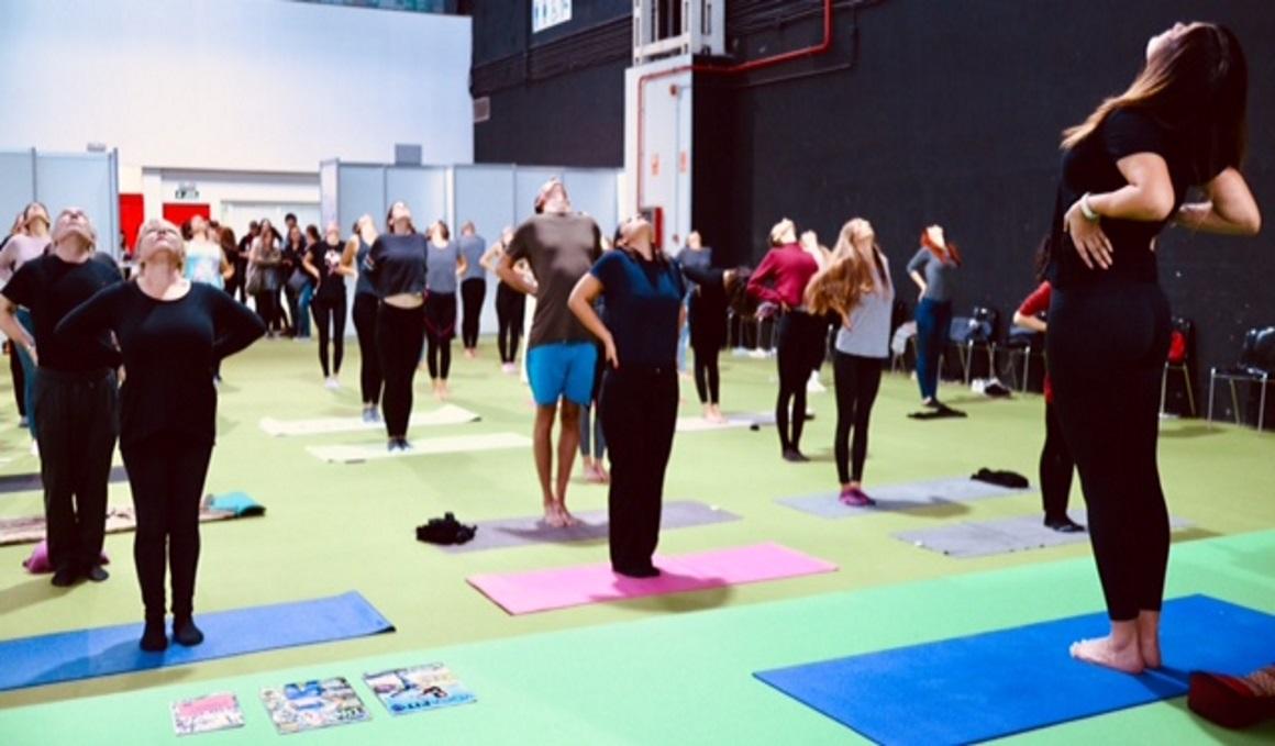 El éxito de la masterclass de Yoga Tibetano Lu Jong en la Veggie World