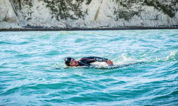 ¡Da la vuelta a nado a Gran Bretaña en 157 días!