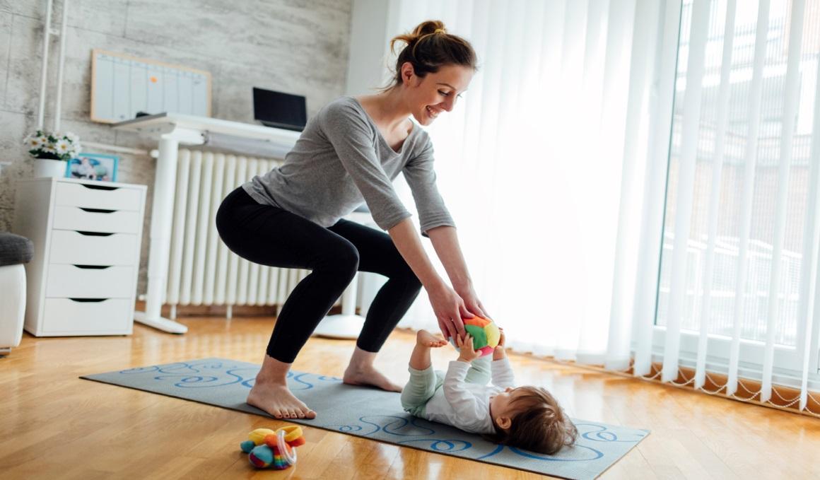 Practica pilates adaptado en el postparto