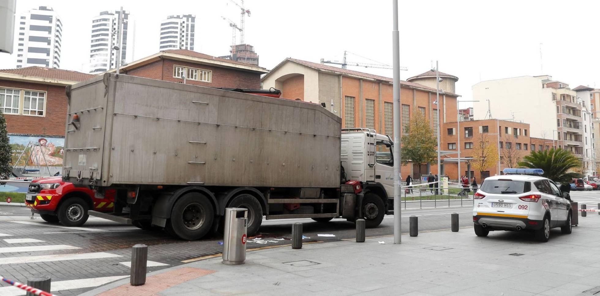La noticia más triste del mes: muere una ciclista atropellada por un camión de la basura en Bilbao