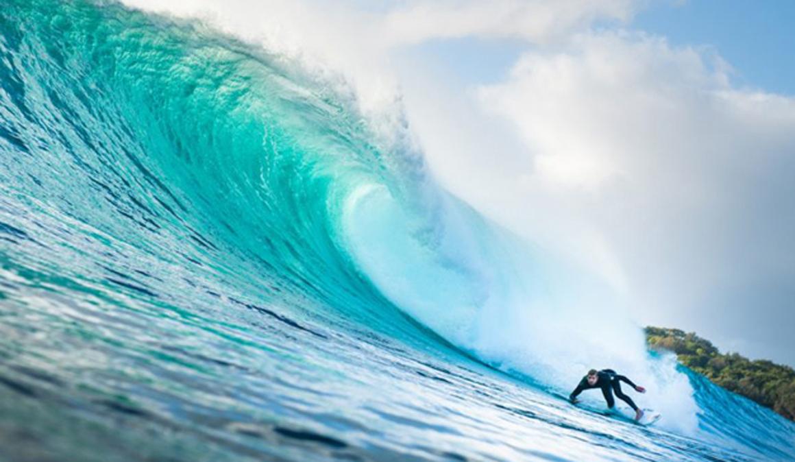 Surfeando en invierno con Rip Curl