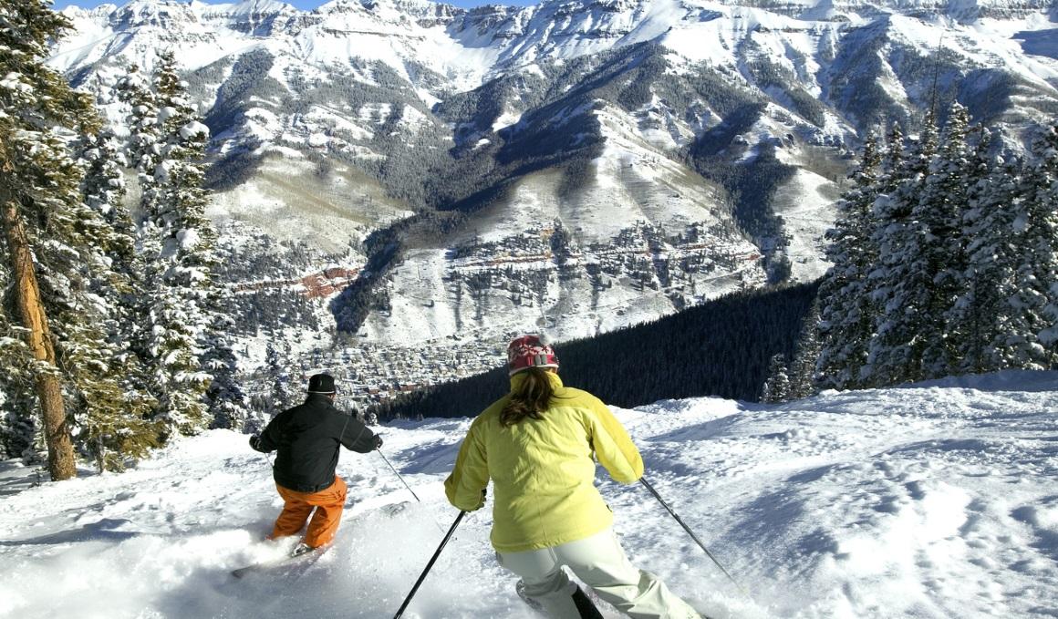 Aumenta la fuerza del tren inferior y superior para los descensos en el esquí