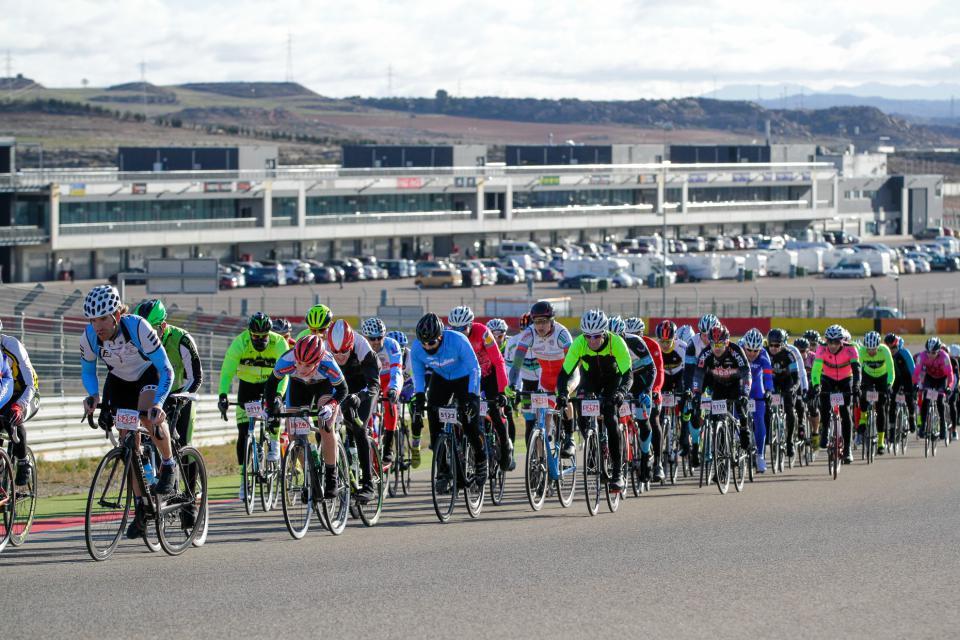 Corre, patina o pedalea en el Circuito de Motorland