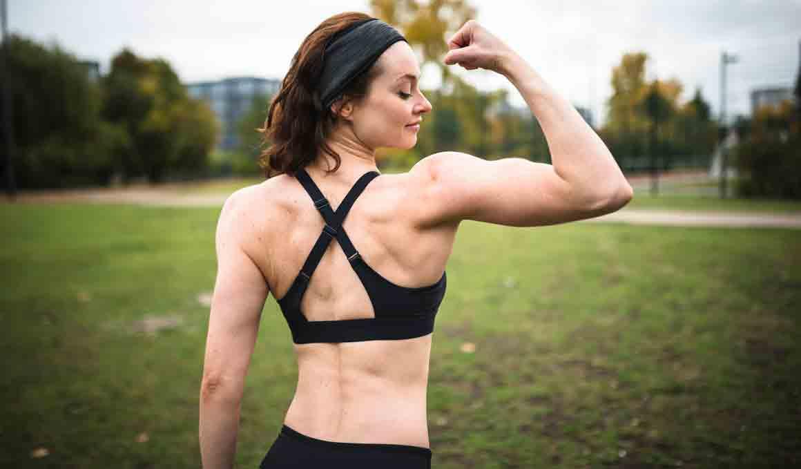 Los ejercicios de bíceps que debes y no debes hacer