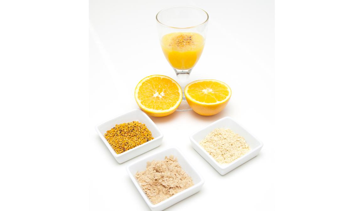 Zumo de naranja con levadura de cerveza, polen y germen de trigo