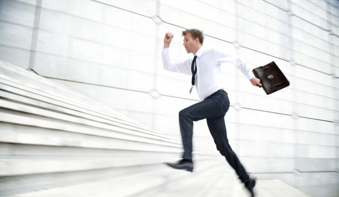 Subir escaleras rápido un par de veces al día puede mejorar tu salud cardiorespiratoria