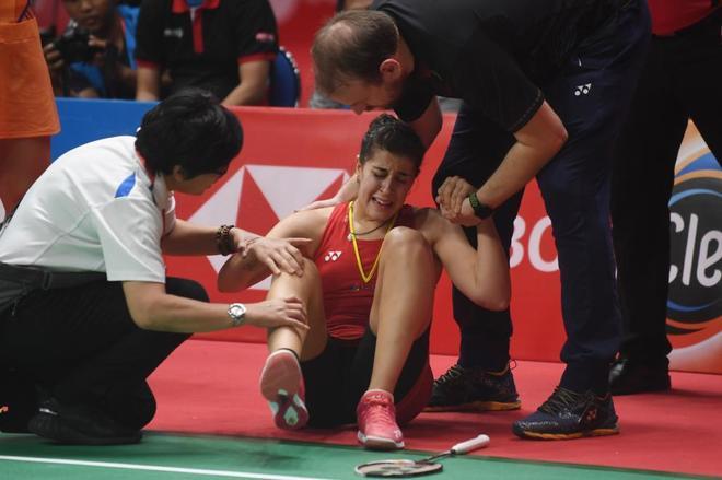 Carolina Marín, lesionada en la rodilla