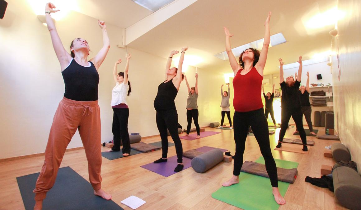 Un embarazo en plena forma con Mandiram Yoga en Barcelona