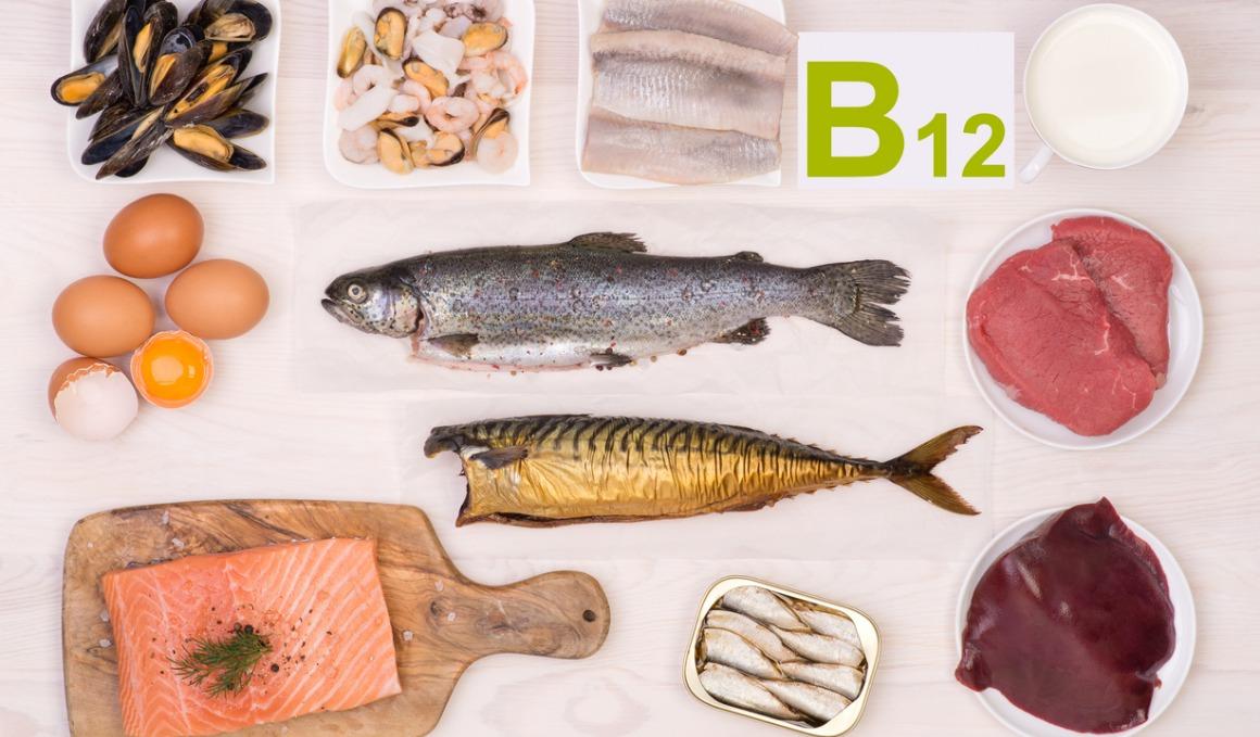¿Qué beneficios puedo conseguir si consumo alimentos con vitamina B12?