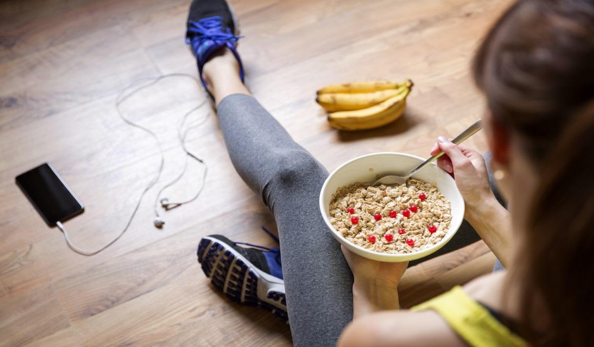 ¿Qué comer antes de entrenar y competir por la mañana?