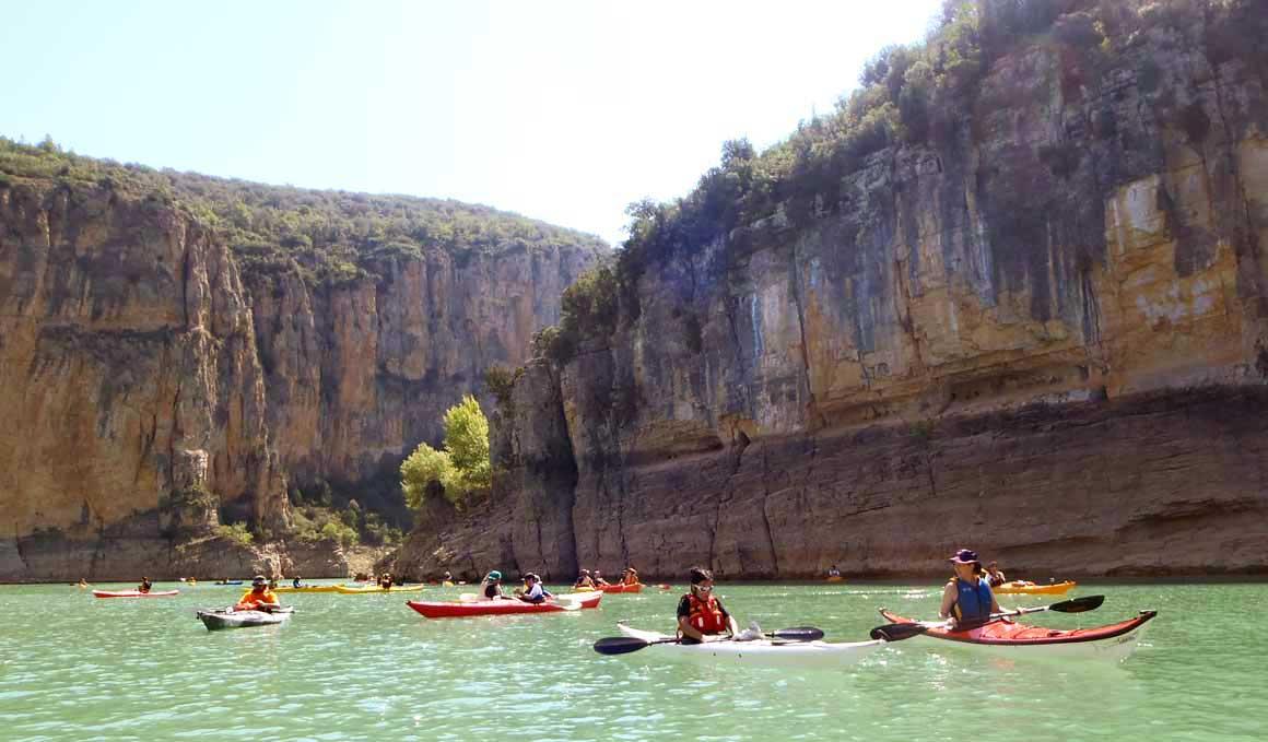 Descubriendo en kayak el pantano de Camarasa