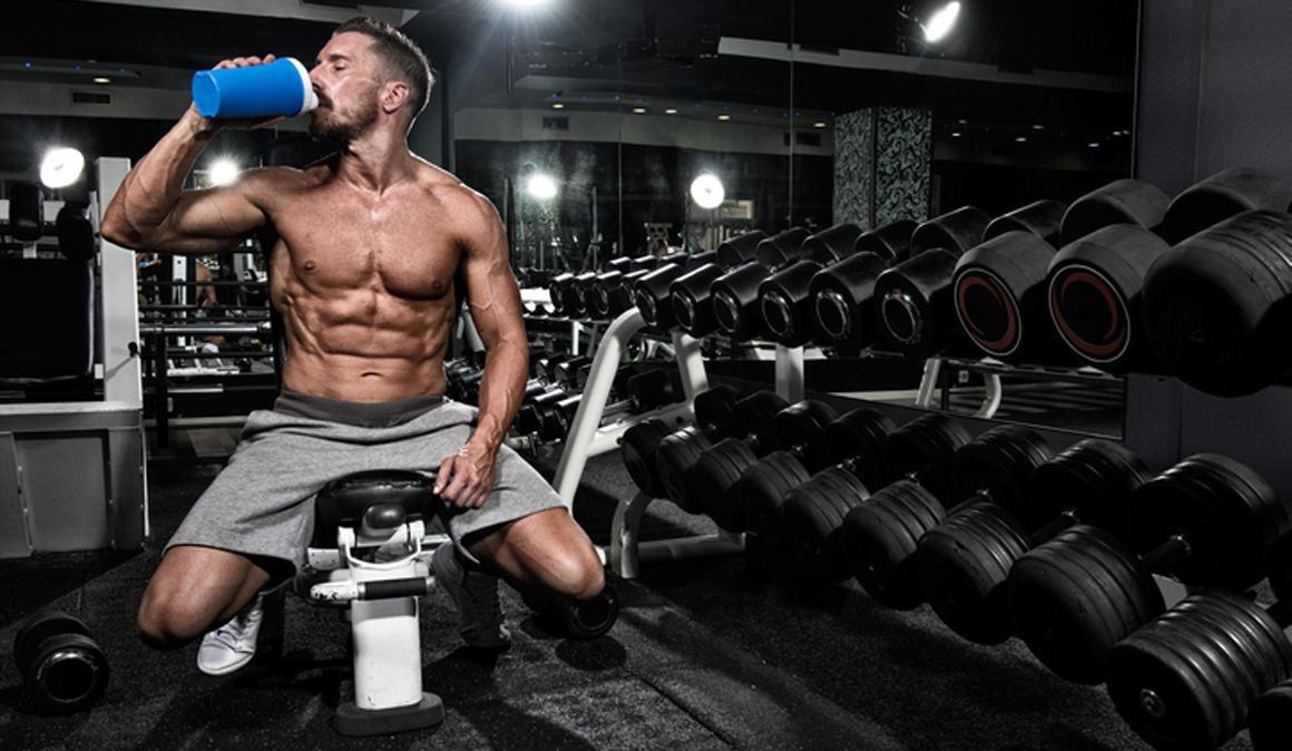 ¿Quieres ganar más músculo? Prueba a tomar el batido de proteína antes de dormir
