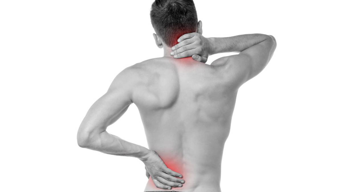¿Te duele la espalda? Fíjate en la ropa que llevas