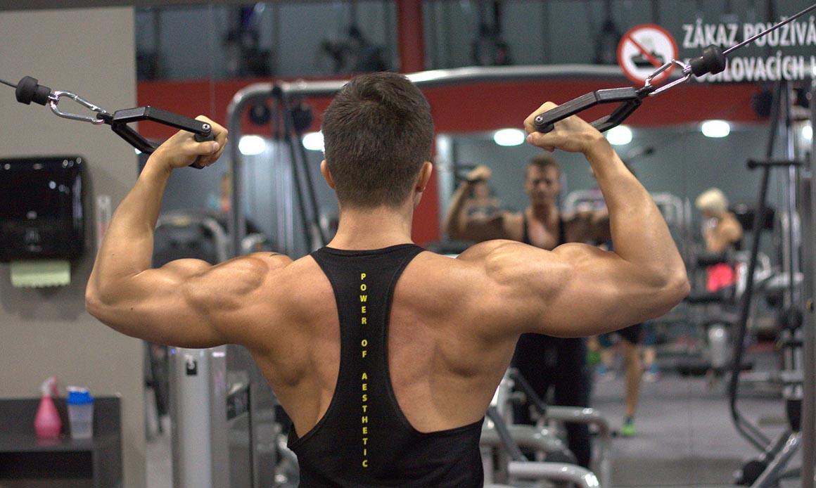 El mejor estiramiento para ganar movilidad en los hombros