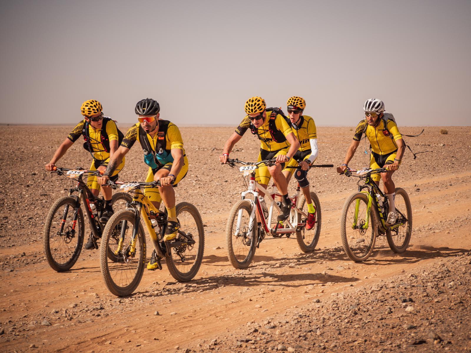 Alex Roca sigue asombrando: ¡finisher de la Titan Desert!
