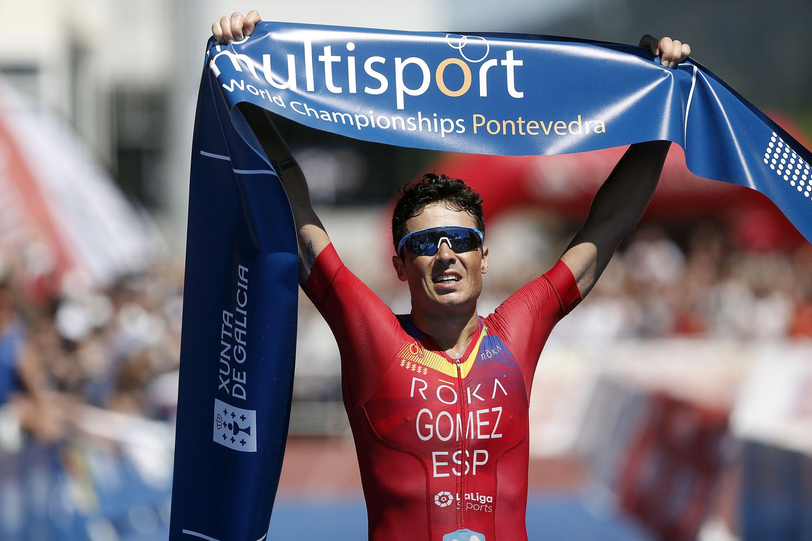 """Gómez Noya gana el Mundial de larga distancia """"en casa"""""""