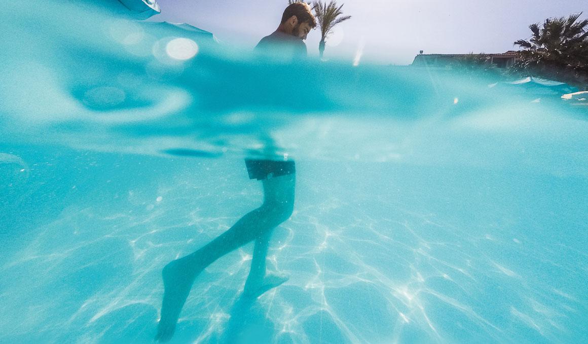 Nadar más correr, el entrenamiento perfecto para este verano