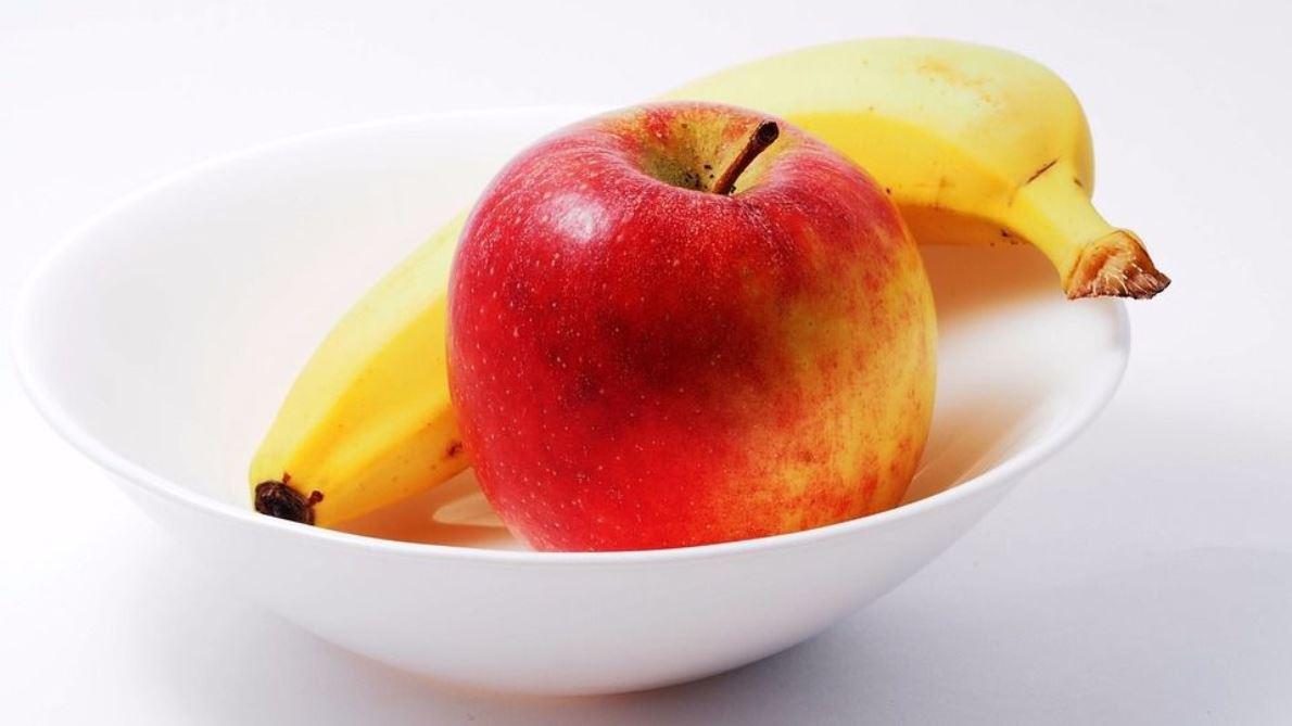 Plátano vs Manzana, ¿cuál es el mejor para el deportista?