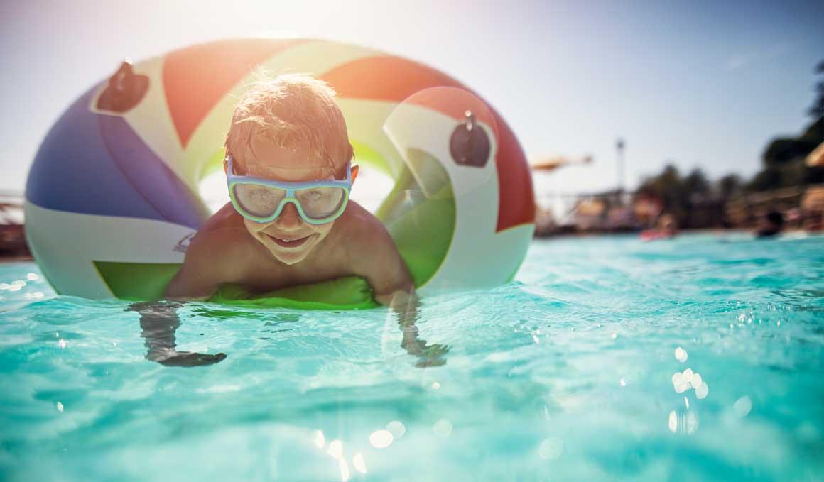 ¿Es seguro el flotador, el chaleco o los manguitos de tu hijo?