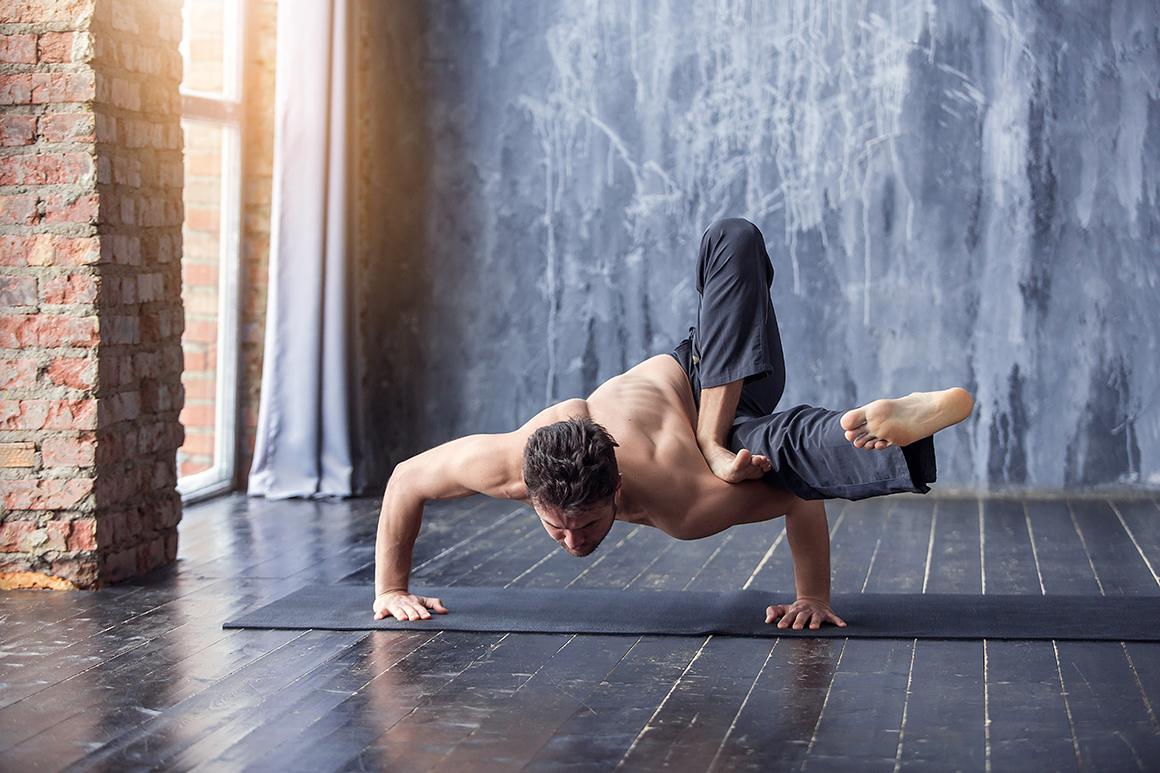 ¿Qué consigue un deportista con el yoga?
