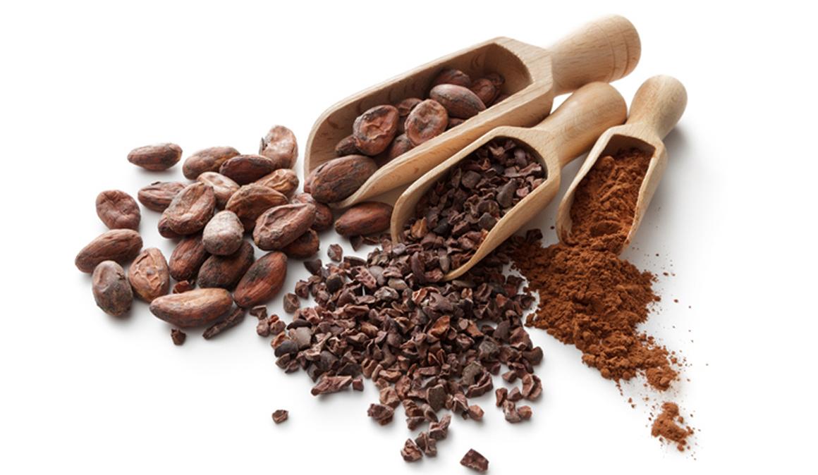 5 beneficios del cacao y 1 receta de batido proteico de cacao, almendras y maca para deportistas