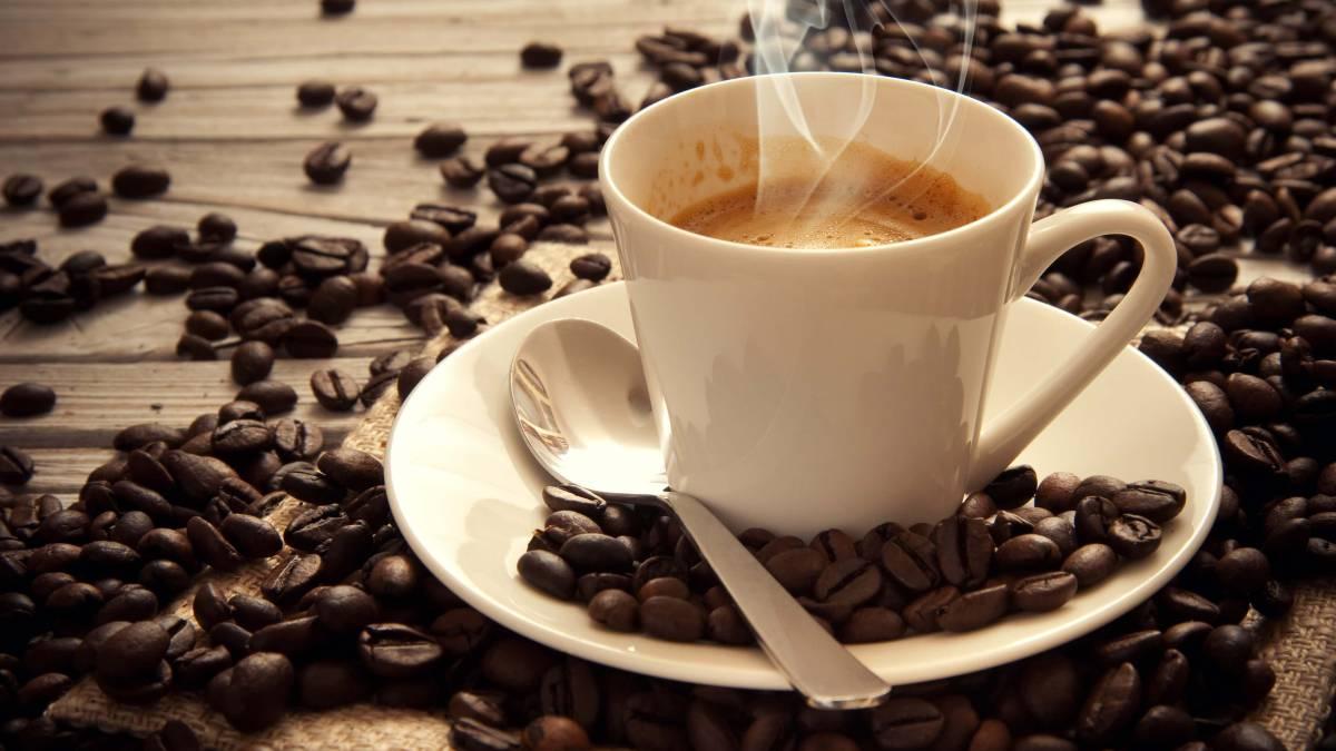 Tres cafés al día puede causarte migrañas