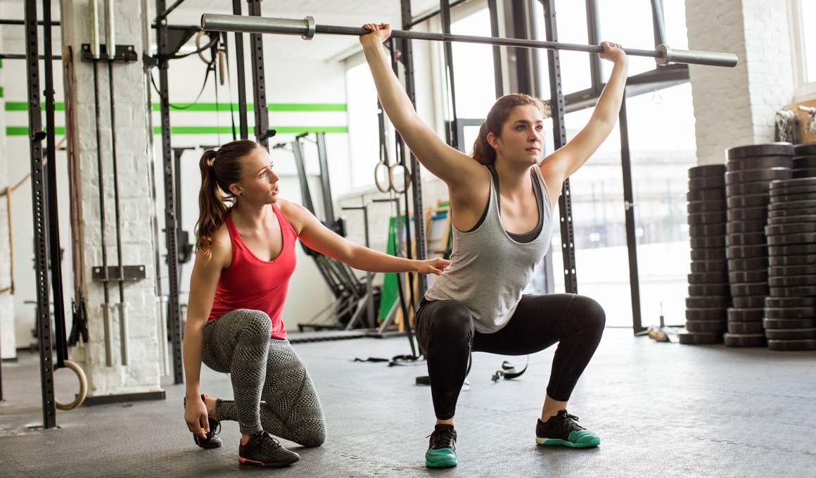 ¿Debería un entrenador siempre ser un graduado en Ciencias de la Actividad Física y el Deporte?
