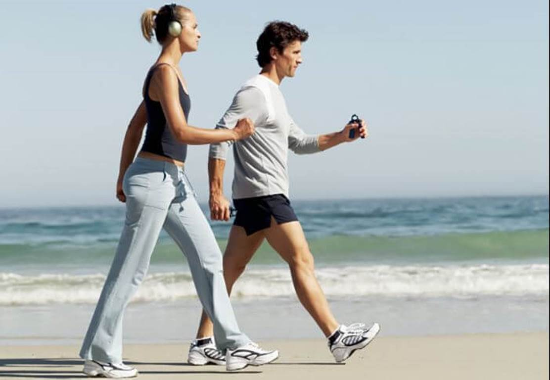Para igualar los beneficios de media hora corriendo tendrías que caminar casi dos horas