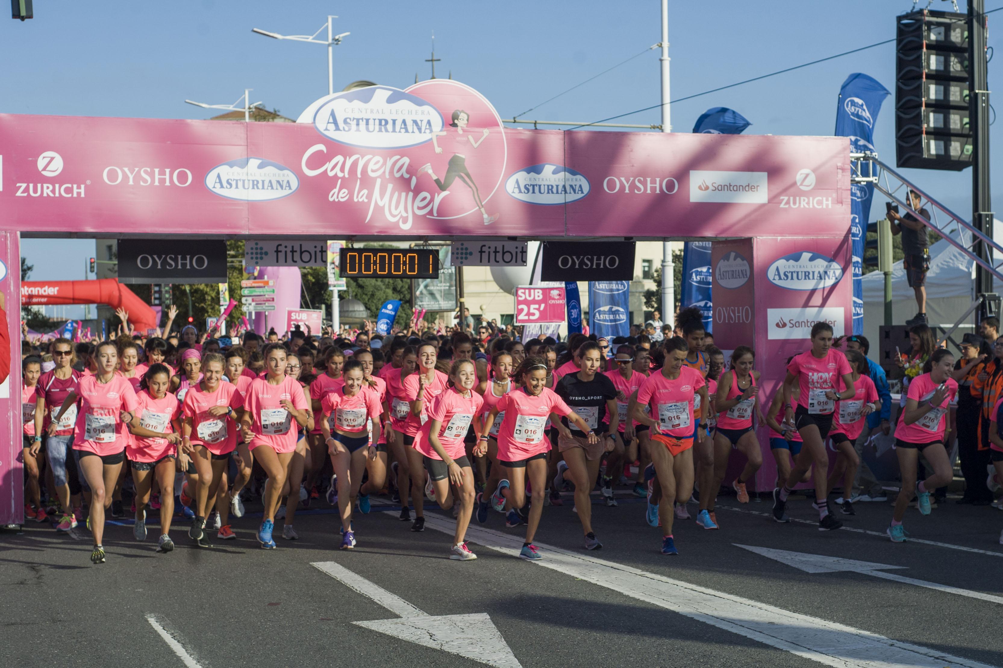La gran marea rosa de la Carrera de la Mujer en Galicia
