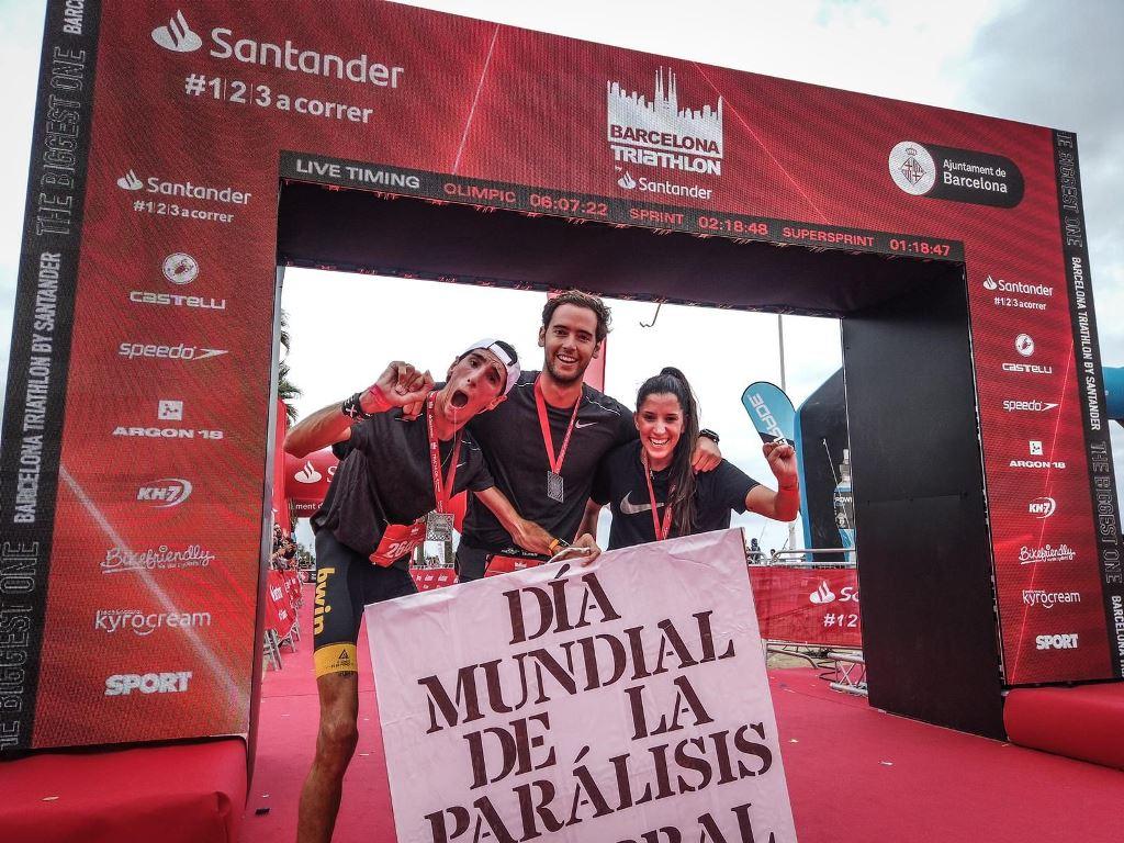 ¡Álex Roca completa el triatlón sprint en Barcelona!