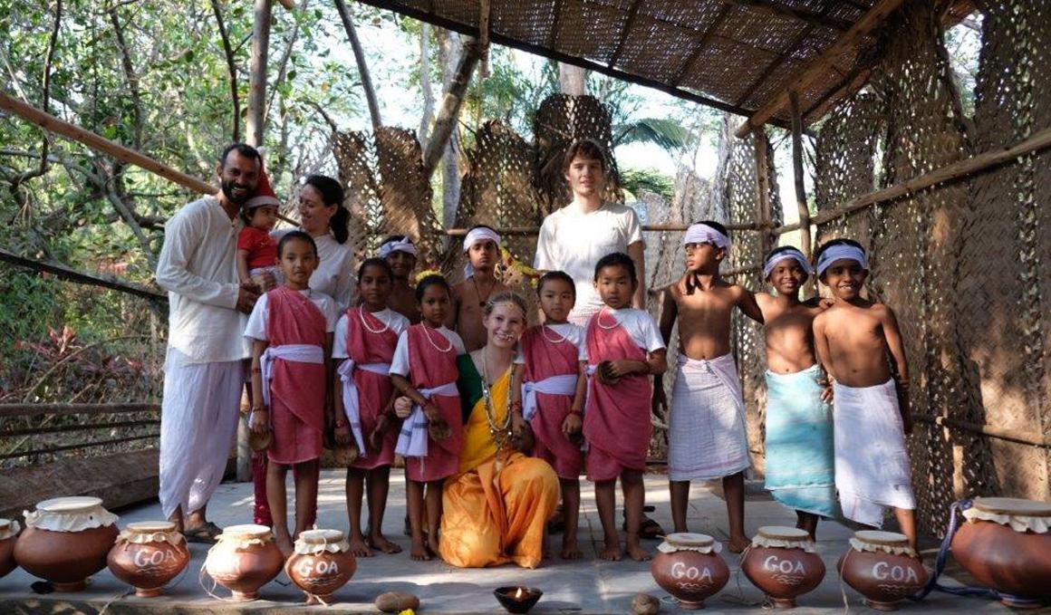 El yoga que tú practicas puede ayudar a los niños de la India