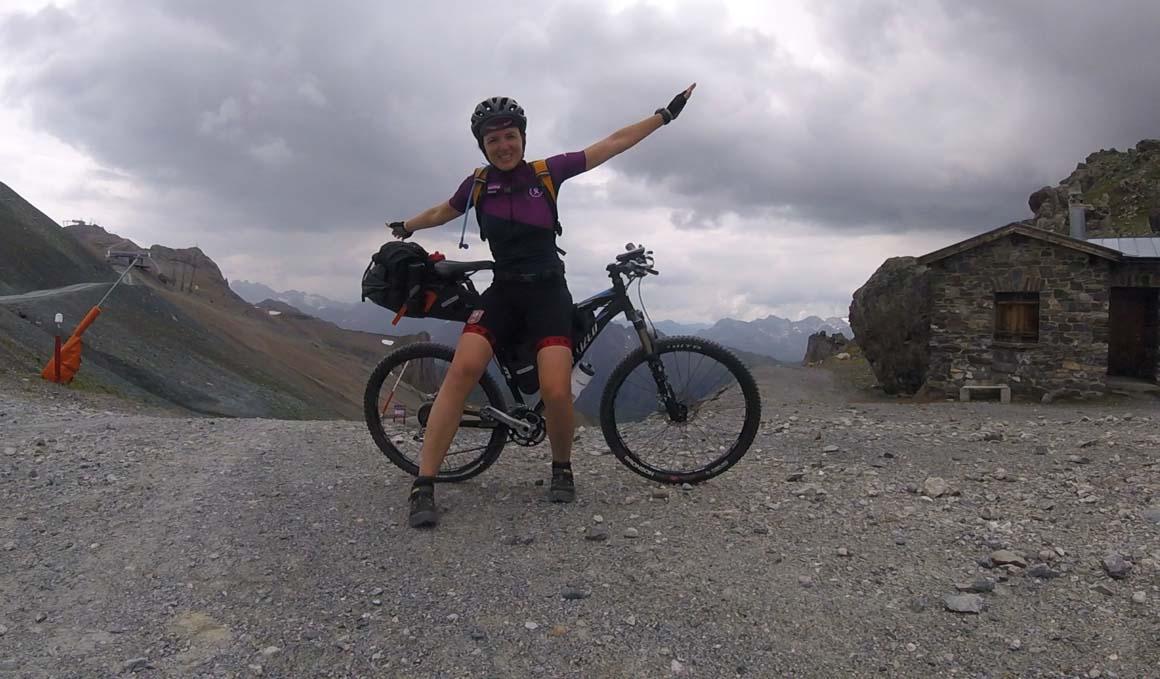 500 km en bici tras un linfoma de Hodgkin, el impresionante reto de Raquel Castillo