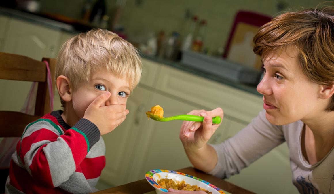 ¿Tú hijo no quiere probar alimentos nuevos? Paciencia, hay programas para padres