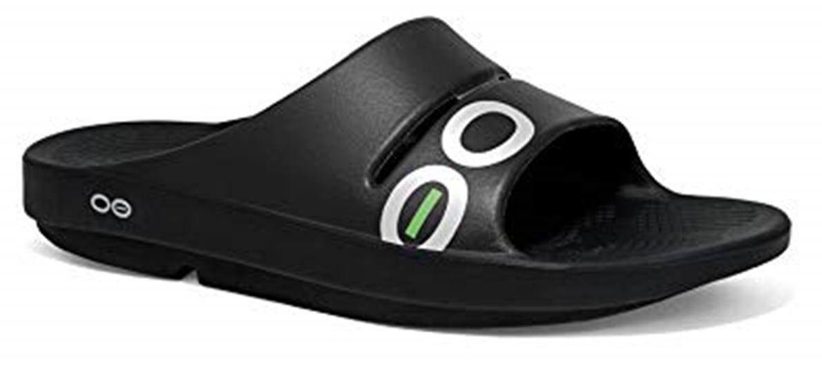 Prueba a fondo de las Oofos, el calzado de recuperación