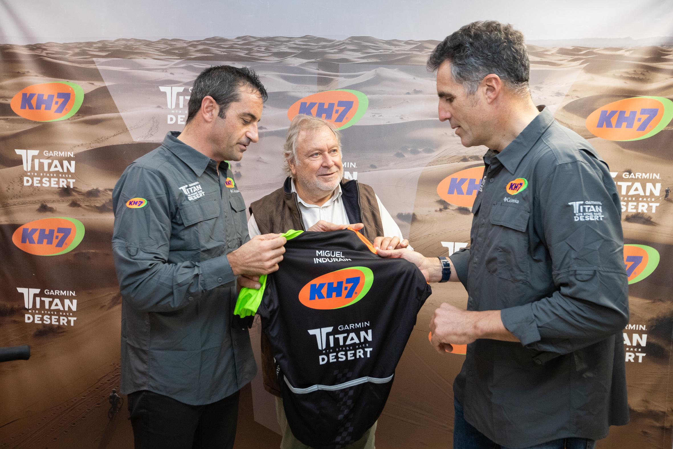 Indurain regresa a la competición para hacer la Titan Desert junto a su hijo