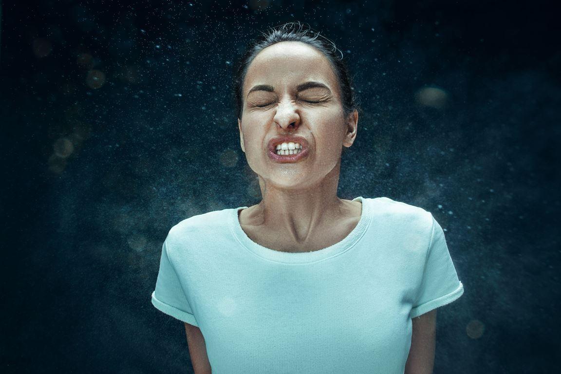 Estornudar y sonarse la nariz tienen su técnica… y puede ahorrarnos una gripe