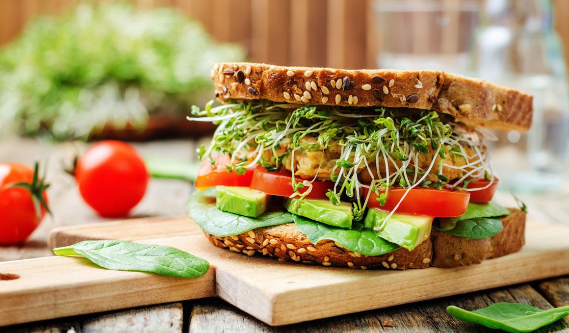 ¿Qué es mejor comer tras entrenar para acelerar la recuperación?