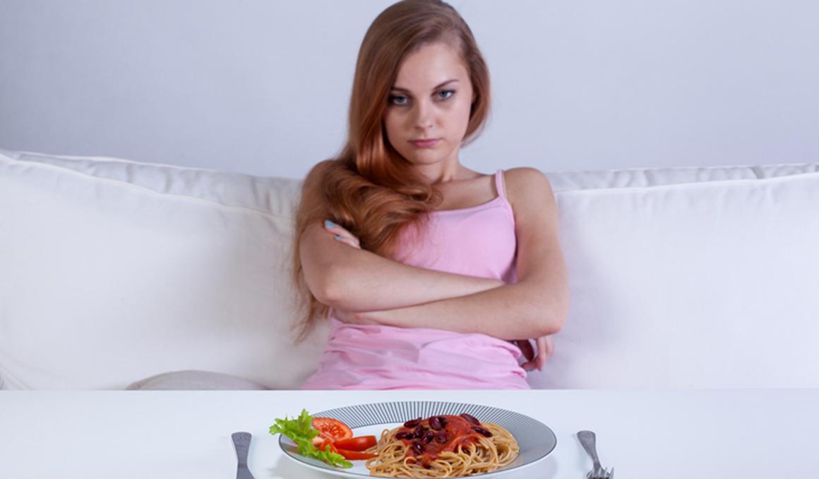 Cenar pasta puede provocarte insomnio