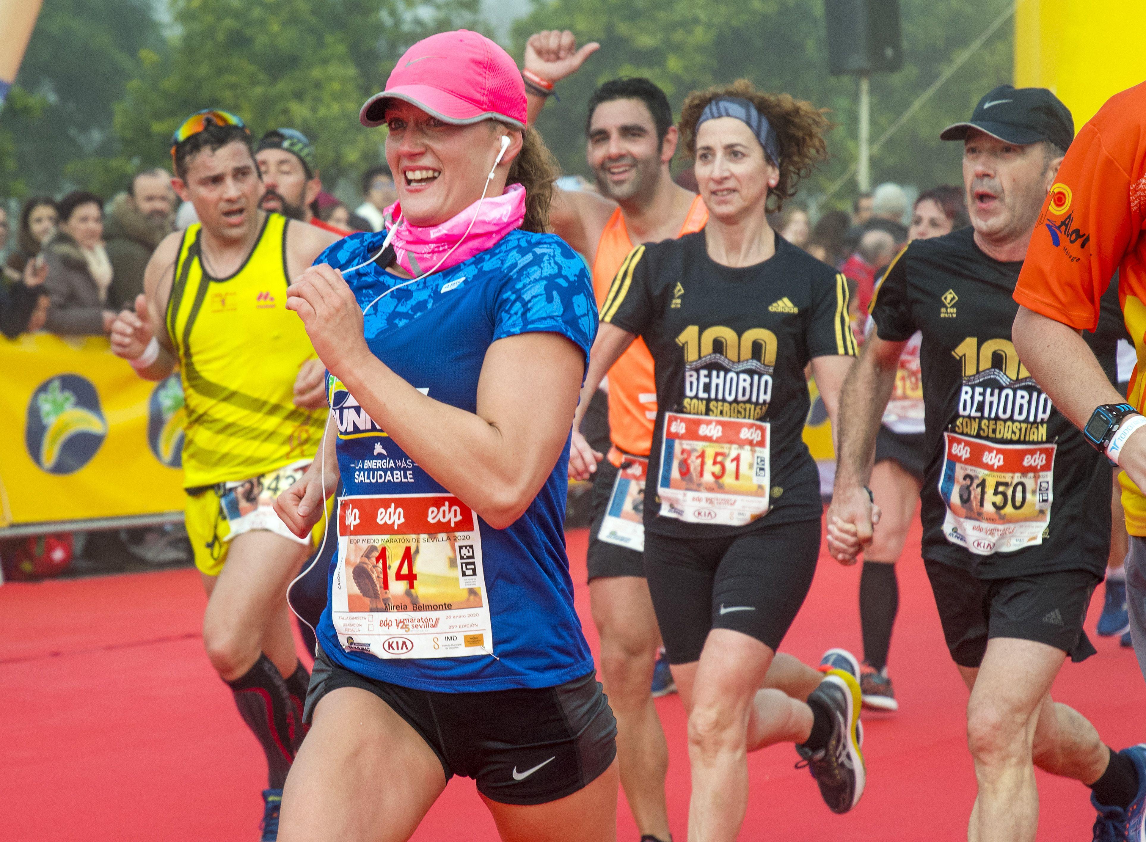 Mireia Belmonte baja de 1h 40' en su primer medio maratón