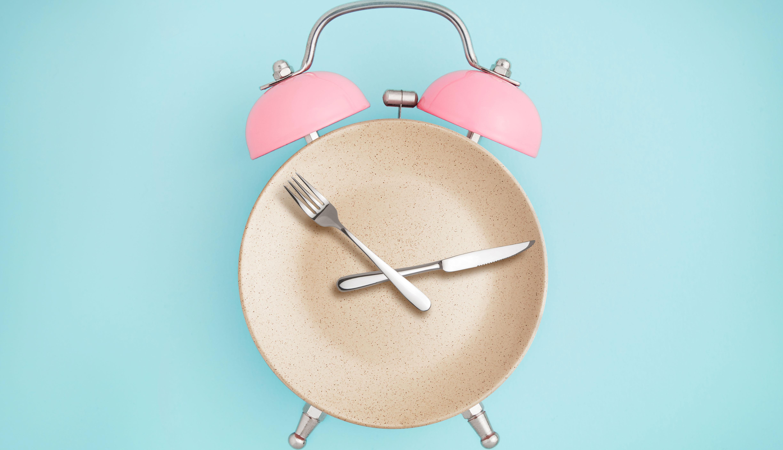 El ayuno intermitente ayuda a reducir el apetito y aumenta la oxidación de las grasas