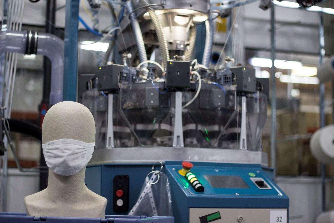 Lurbel, de fabricar nuestros calcetines o camisetas a material de uso sanitario en tiempo récord
