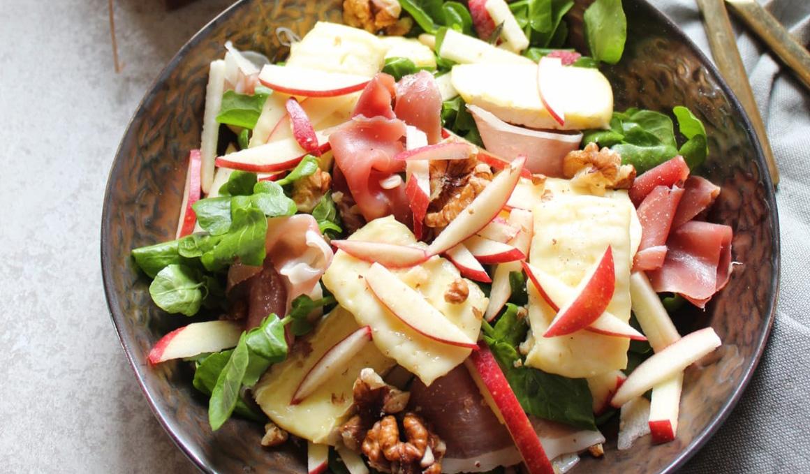 Receta de Ensalada de Queso Brie, Jamón y Manzana