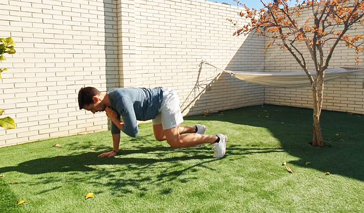 Yo entreno en casa / Día 16: ejercicios con el peso corporal y pelota