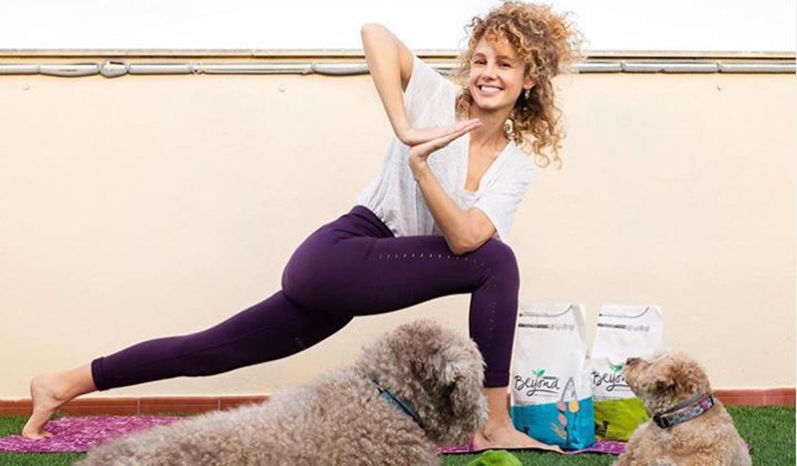 Llega la 3ª edición del Yoga Dog Day online
