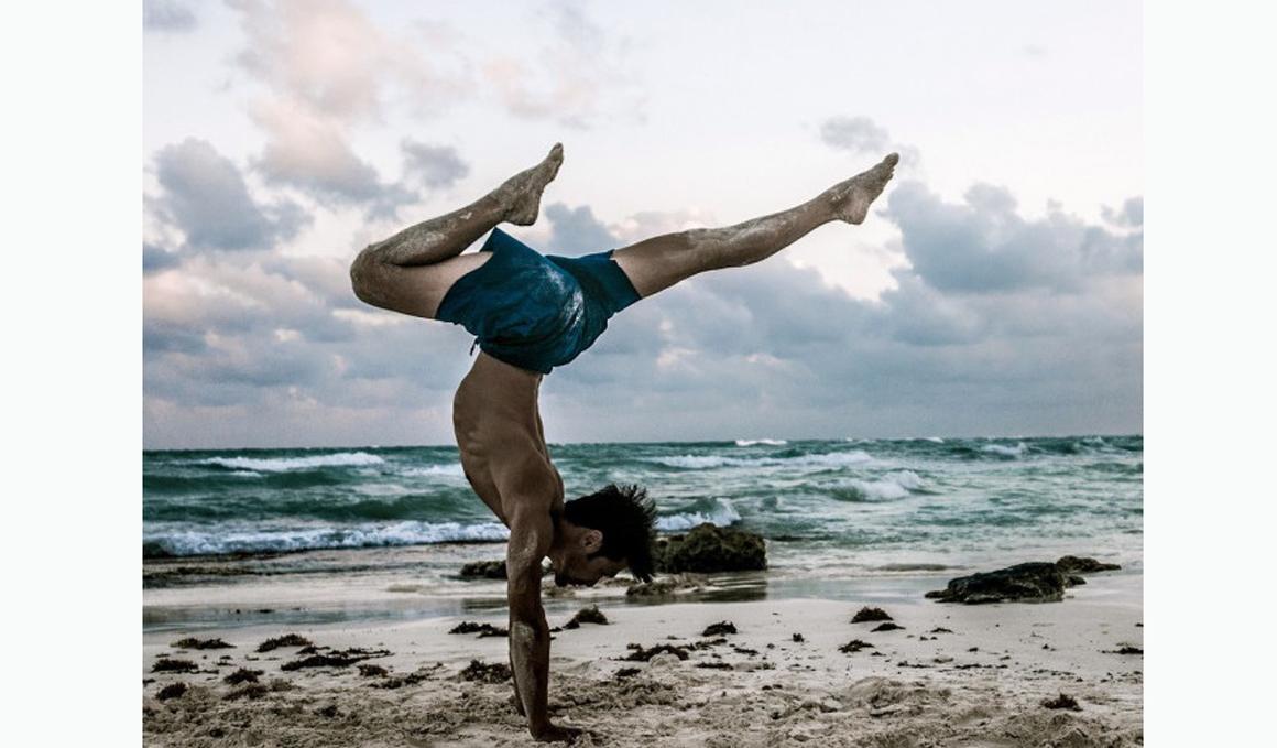 Curso online de Equilibrio de Brazos en Yoga con Simon Park en ZUY ONLINE