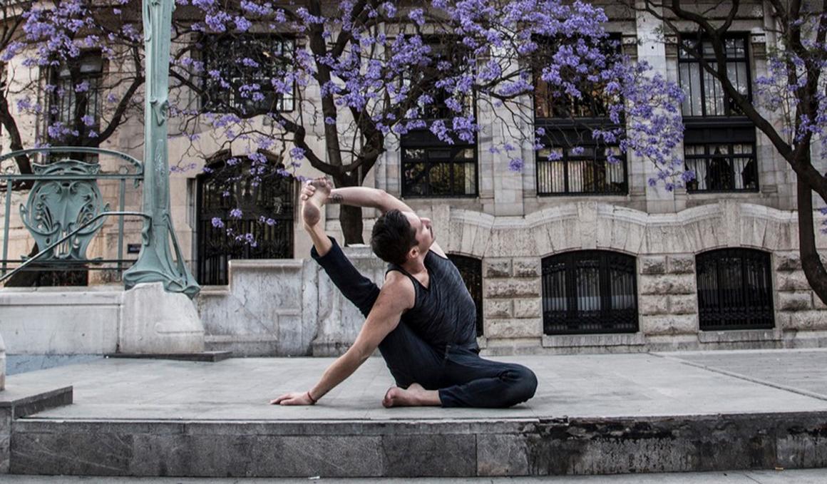 Taller de Yoga Funcional con Fer Pasquel en ZUYONLINE