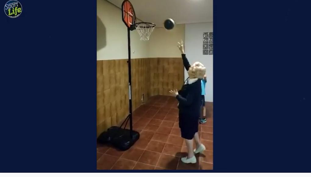 La canasta de la abuela centenaria que ha emocionado a Pau Gasol