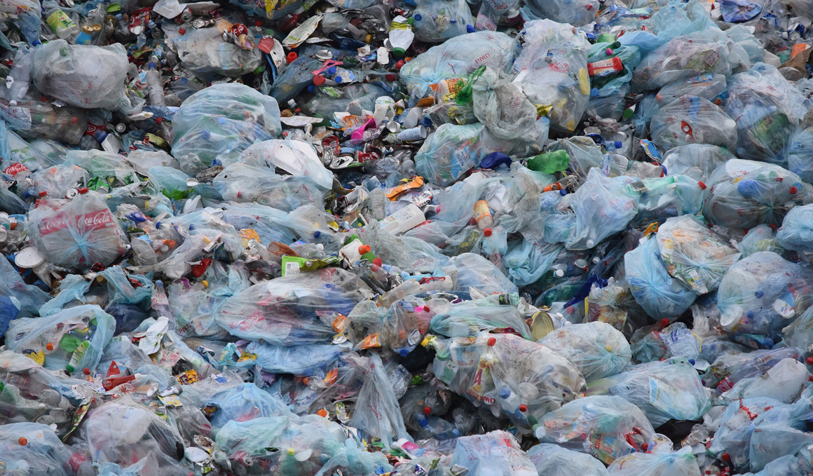Joma: de plástico en la basura a equipación técnica de fútbol profesional