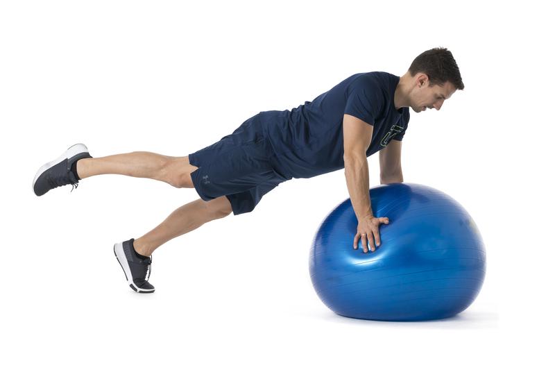5 ejercicios imprescindibles con fitball
